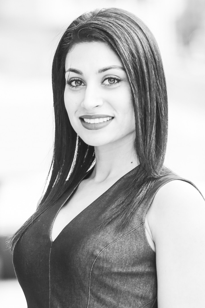 Outdoor Black & White Headshot Photographer
