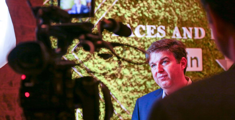 Las Vegas Corporate Event Photographer – On-Site Editing